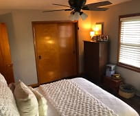 Bedroom, 4761 IL-159