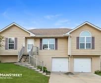 1003 Viola St, Smithville, MO