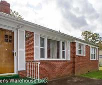6105 Woodland Ln, Clinton, MD