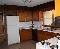 Kitchen, 204 Magnolia St