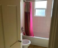 Bathroom, 515 Ross Ave