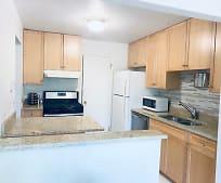 456 Thornhill Ln, Arlington Heights, IL