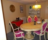 Dining Room, 628 Center St