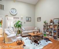 Living Room, 3809 Spicewood Springs Rd