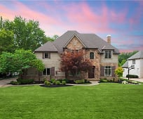 2322 Silveridge Trail, North Olmsted, OH