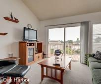 Living Room, 905 NE Lindsay St