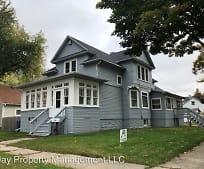 Building, 904 N Chestnut Ave