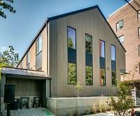 Building, 424 NE Ivy St