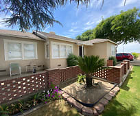 8227 E Floral Ave, 93662, CA