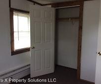 Bedroom, 401 N Olive St