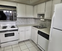 Kitchen, 3900 Oaks Clubhouse Dr