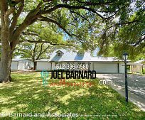 505 NW River Rd, Martindale, TX