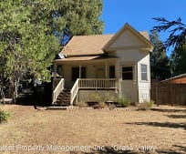 545 Whiting St, Grass Valley, CA