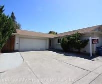 7303 Circle Dr, Rohnert Park, CA