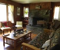 Living Room, 952 NY-203