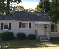 21 Woolworth Ct, Mount Clemens, MI