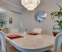 Dining Room, 4210 Va Arbolada