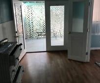 Living Room, 2700 W Ross Ave