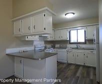 Kitchen, 736 Sullivan Dr