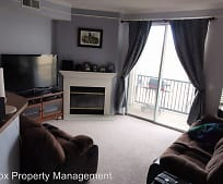 Living Room, 2057 Eagle Ave