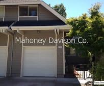 21 Meadowbrook Ct, Rohnert Park, CA