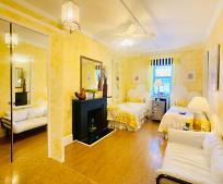 Living Room, 248 Malcolm X Blvd