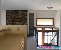 Building, 4526 Quantico Ln N