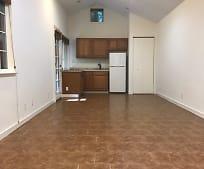Living Room, 435 Hubbard Gulch Rd