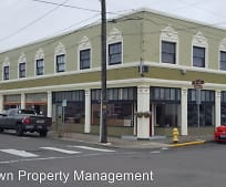 109 9th St, Astoria, OR