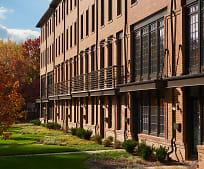 908 N Buchanan St, Arlington Traditional School, Arlington, VA