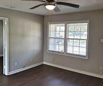 Living Room, 5330 Pershing St