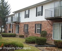 412 W Crystal Valley Dr, Middlebury, IN