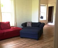 Living Room, 660 W Spruce St