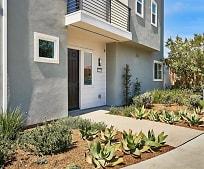 525 Daniel Freeman Cir, Inglewood, CA