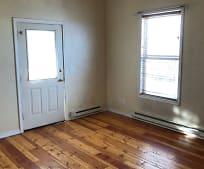 Living Room, 703 E Lamme St
