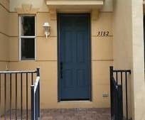 3182 N Greenleaf Cir, Lantana, FL