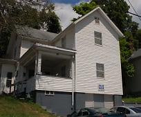 65 Franklin Ave, Pomeroy, OH