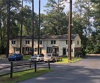 Building, 801 E Main St