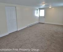 Living Room, 165 McAllister St