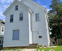 Building, 319 W Pleasant St