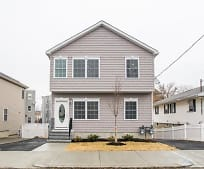 85 Yeamans St, Revere, MA