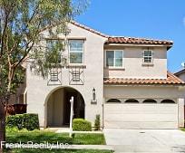 Building, 45725 Sierra Ct