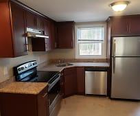 Kitchen, 82 E Grove St