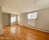 193 Lafayette Rd, Newburyport, MA