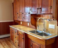 Kitchen, 98 Walnut St