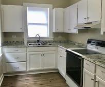 Kitchen, 107 Poplar St