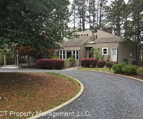 2225 Airport Rd, Whispering Pines, NC