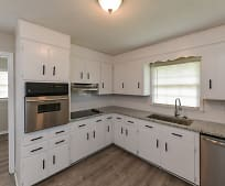 Kitchen, 633 Colonial Dr