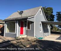 Building, 990 SW Maple St