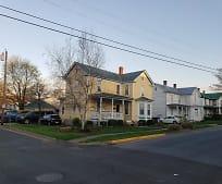 302 Blue Ridge Ave, Front Royal, VA